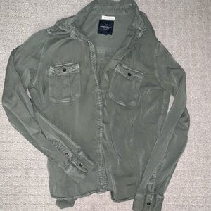 american eagle army green button up shirt